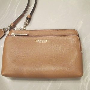COACH DOUBLE L-ZIP wristlet IN SMOOTH LEATHER  new